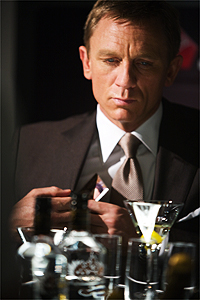 http://americaexplained.files.wordpress.com/2012/09/james-bond-vesper-martini.jpg